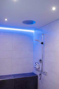 Blaues Licht sorgt für ein kühles und frisches Gefühl